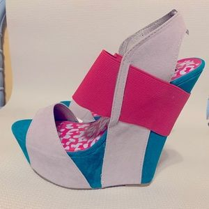 Dollhouse wedge sandals